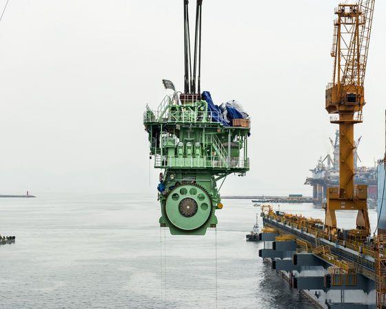 世界最大のコンテナ船「マースク・トリプルE」が建造されているドックの風景 - GIGAZINE