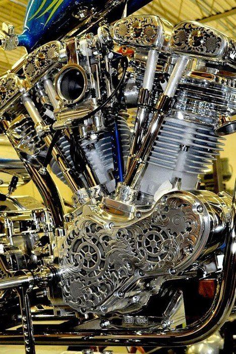 <3 engraved generator Shovelhead motor w/split rocker boxes
