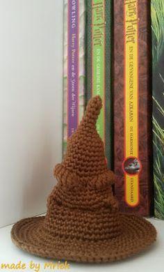 Haakpatroon sorteerhoed Harry Potter. Maded by Mriek.