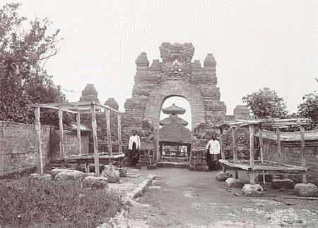Uluwatu temple 1920