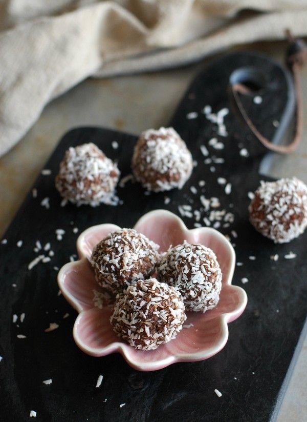 Chokladbollar med pekan utan tillsatt socker //Baka Sockerfritt
