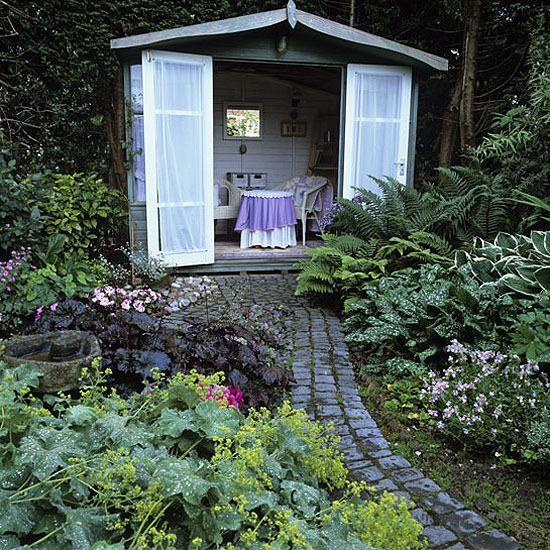 Garden with secret hideaway.  Love this!