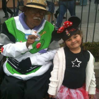 Being at Disneyland with Papa is the best!!!: Disneyland Magic, Pope