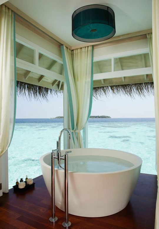 Soaking with a view- a dream from HEAVEN! blog by Meghan Carter