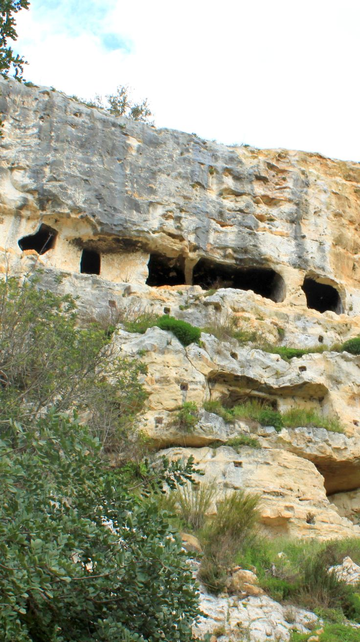 Historical caves, Cava Ispica in Sicily, Italy  www.travellinghistory.com
