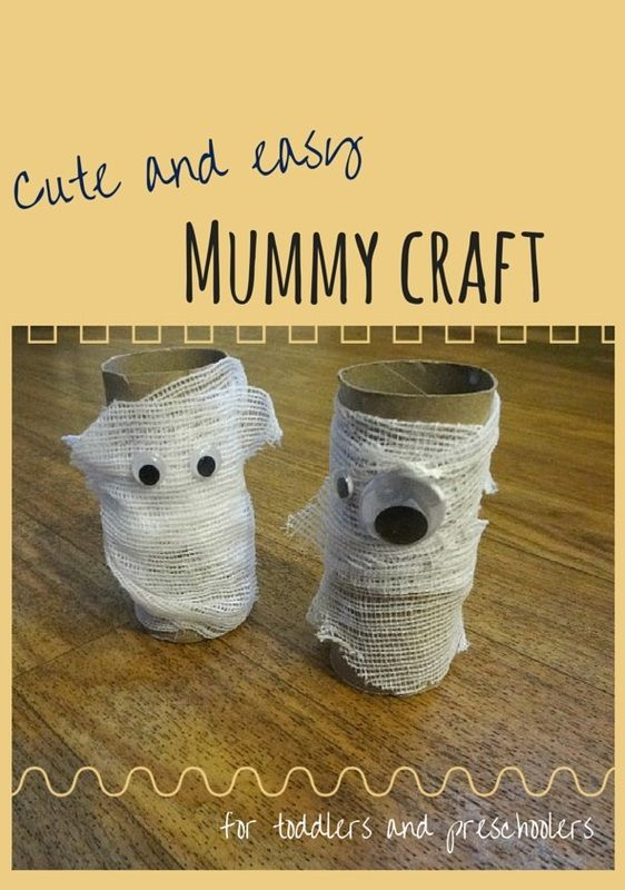 A cute mummy craft that's perfect for Halloween! #finemotorskills