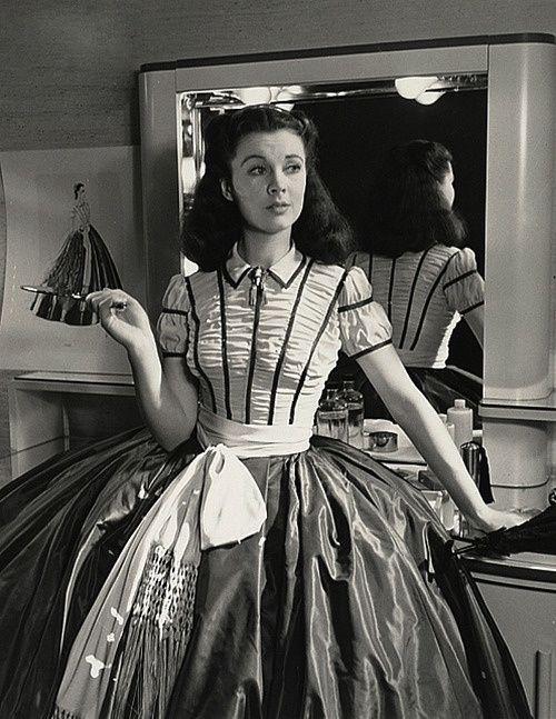 Vivien Leigh em seu camarim dos estúdios de E O Vento Levou (Gone With The Wind), 1939.