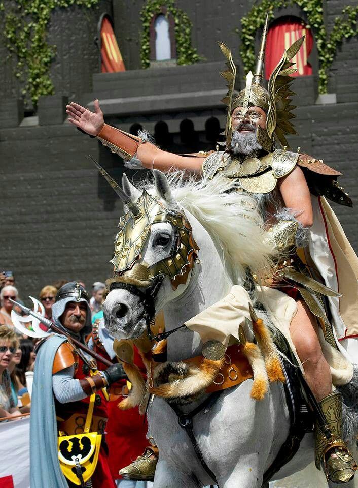 Fiestas de #morosycristianos #Alcoy. foto Elias Segui