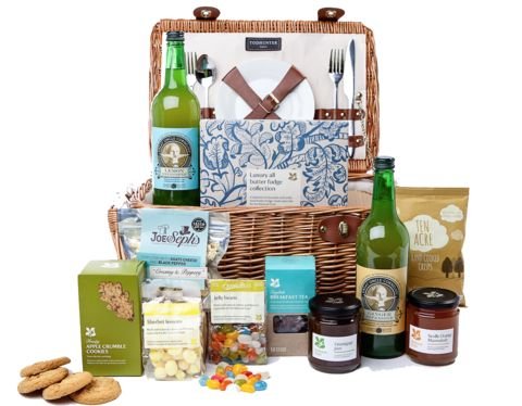 National Trust - A day at the beach picnic hamper