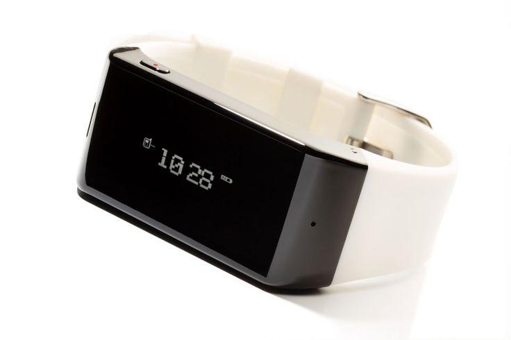 MyKronoz: Smartwatch aus der Schweiz http://www.wewearsmartwear.de/2013/08/mykronoz-smartwatch-aus-der-schweiz/