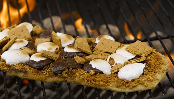 S'mores pizza.
