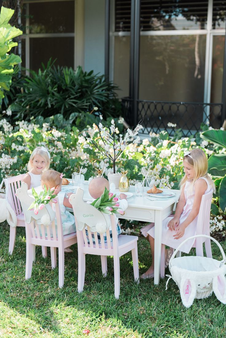 Outdoor easter decorations pinterest - Easter Kids Table