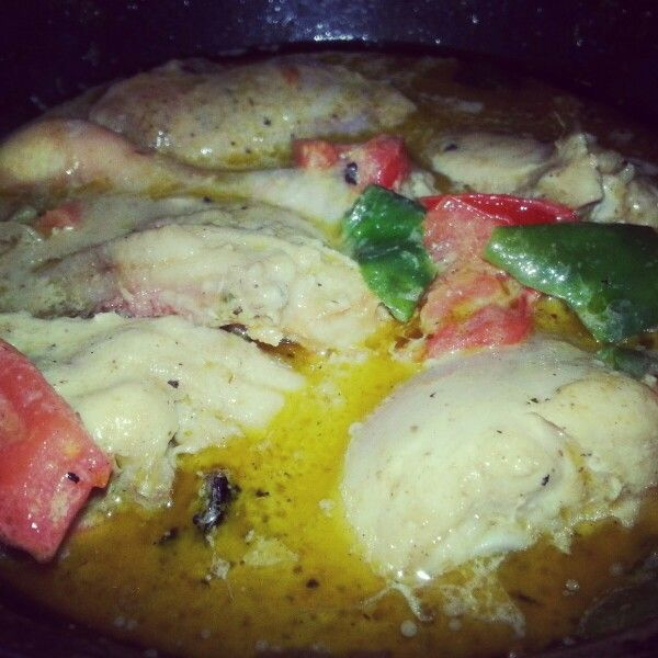 Thai green curry chicken with paprika