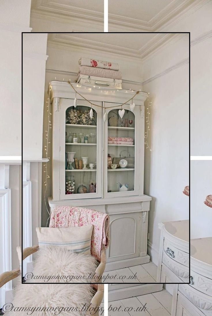 Shabby Chic Living Room Furniture Shabby Chic A Dresser Vintage Shabby Chic Chic Dresser Furniture Liv In 2020 Shabby Wohnzimmer Computertisch