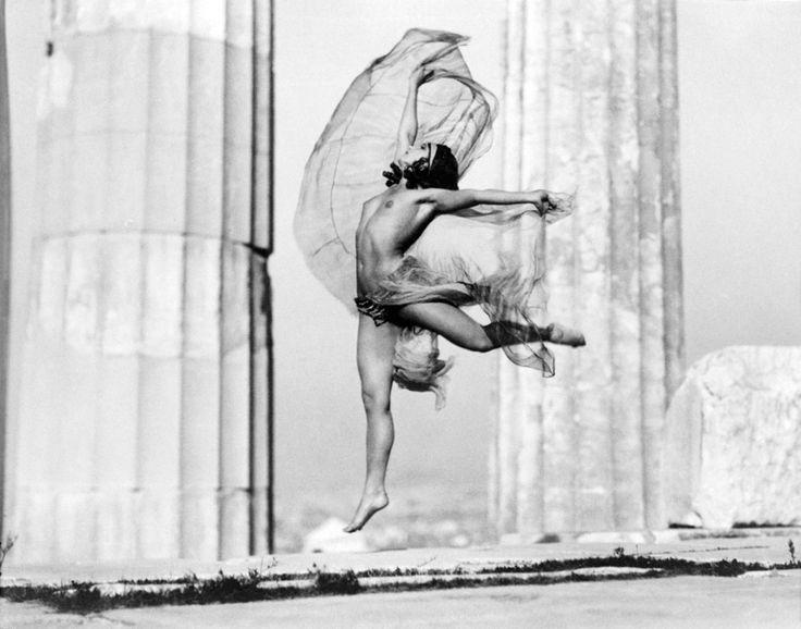 """Nelly's Mona Paeva at the Acropolis (1929).  Elli Sougioultzoglou-Seraidari AKA """"Nelly's"""", photographer (1899-1998) #Greece"""