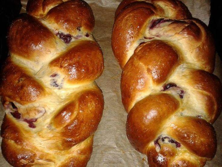 Húsvéti különlegességek: Meggyes kalács és kalácskoszorú - Női Logika