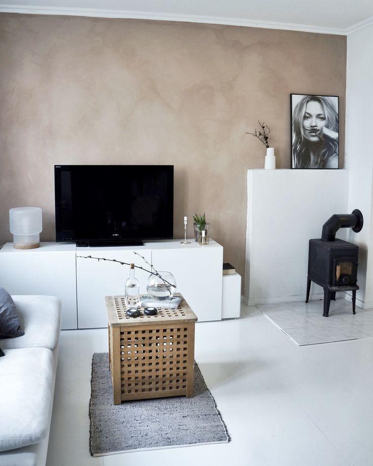 Camilla Haugen - My home - livingroom - chalk paint - Jotun Minerals Senses - Kate Moss - white floor
