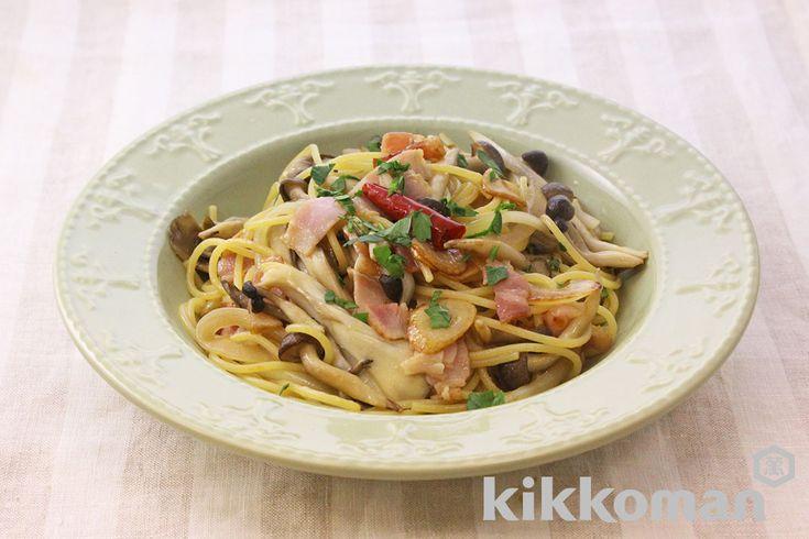 きのこの和風ペペロンチーノのレシピをご紹介。ベーコンとしめじとスパゲッティ・パスタを使って簡単お手軽に調理できます。炒め物や煮物から揚げ物まで様々な献立レシピを簡単検索!お弁当や健康(ダイエット)レシピもご用意しています。キッコーマンのレシピサイト【ホームクッキング】