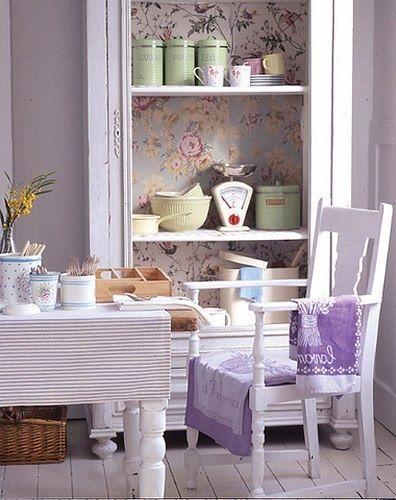 pareti-tavolo-lavanda