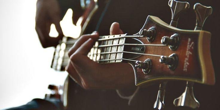 10 Easy Bass Guitar Songs!
