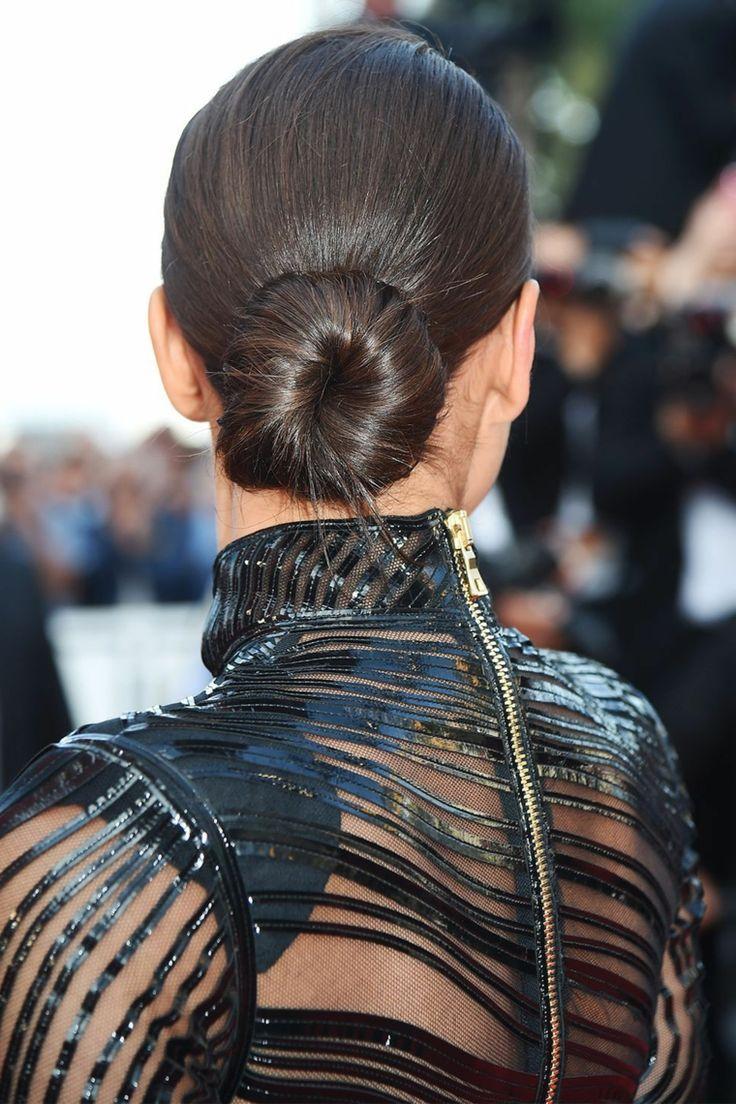 Idea acconciatura per dei capelli scalati lunghi con ...