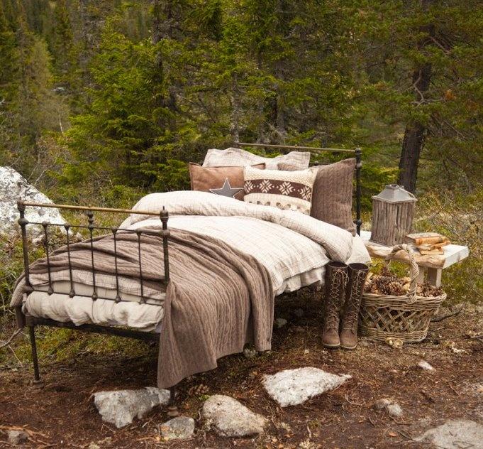 i love beds. anywhere.