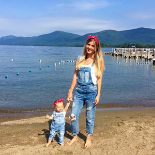 Mummy and daughter goals. | 19 Adorable Photos Of Kids Dressed Like Their Parents