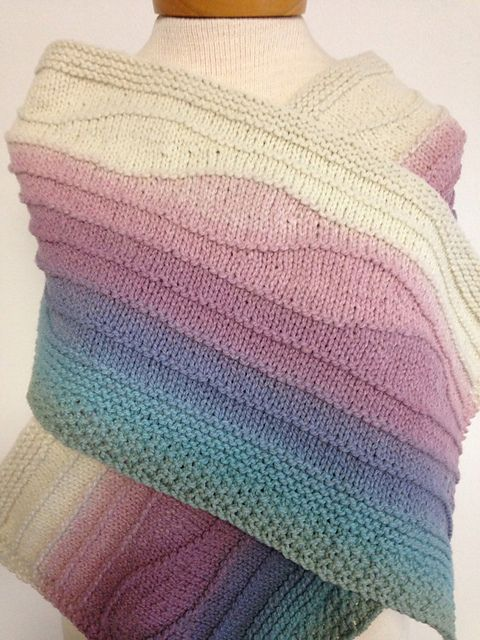 This pattern is designed for a slowly color changing yarn. One skein of Colorflow yarn and at least 2 oz of a coordinating solid color will do it.