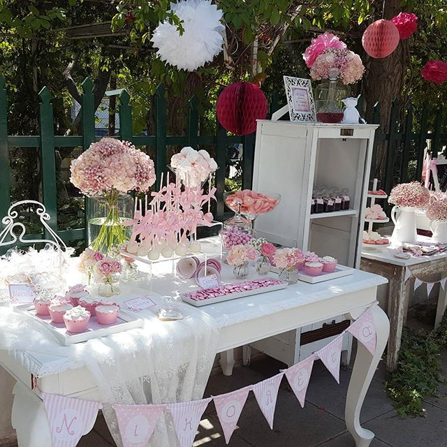 #minidreamers#greek_baptism #candy_bar #cupcakes #dragees #hatzigiannakis #pink_is_everywhere #christening #macarons #MiniDreamers
