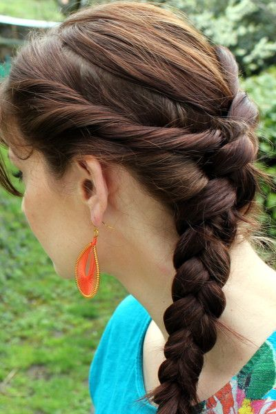 Hunger Games side inside-out French braid with twists