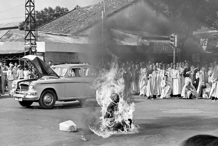 "sixpenceee:  "" The Self-Immolating Monk In 1963, the Buddhist majority in South Vietnam had reached their breaking point in the growing tensions under the repressive Catholic regime of President Ngo Dinh Diem.  In May of that year, Buddhists had..."