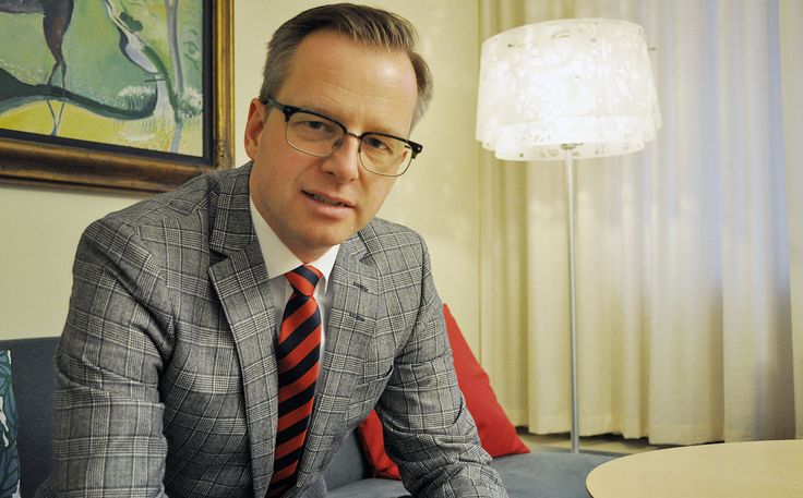 Näringsministern: Digitaliseringen den viktigaste frågan för Sverige Påverkar även skola och lärarutbildning!