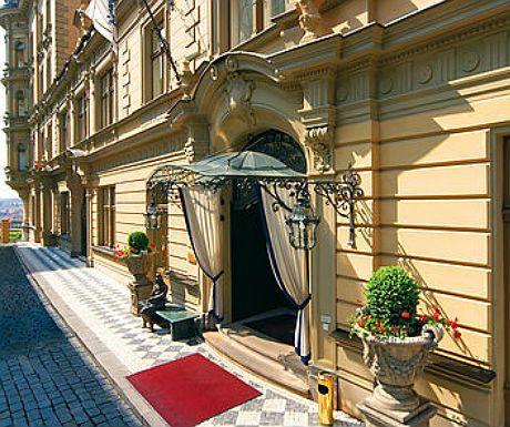 Hotel Le Palais Prague #hotelinteriordesigns