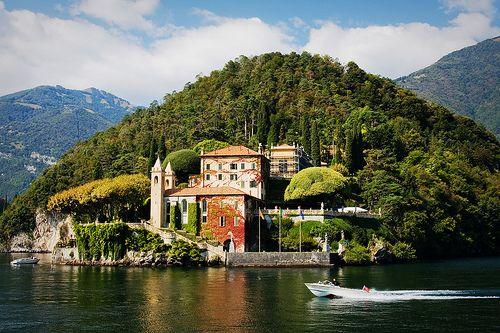 Villa del Balbianello (featured in Star Wars Episode II, Ocean's Twelve and Casino Royale) , Lago di Como, Italy