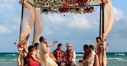 ABC News: Самые лучшие укромные уголки планеты:  Свадьба в традиционном индийской стиле на великолепном пляже... это же на Гоа, правильно?  http://abcnews.go.com/Travel/top-elopement-sites/story?id=23843987&utm_source=MC360&utm_medium=MC360&utm_campaign=MC360