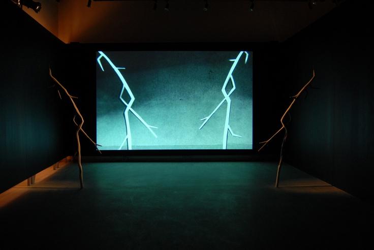 Chris Evans The Freedom of Negative Expression (Η ελευθερία της αρνητικής έκφρασης), 2007 Βίντεο, γλυπτό και σενάριο Μεταβλητές διαστάσεις Παραχώρηση του καλλιτέχνη και Γκαλερί Store, Λονδίνο
