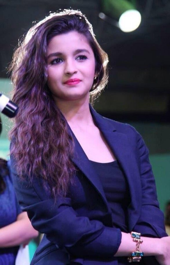 Next superstar of Bollywood!! Alia is surely going to rule the B-town with her gorgeous looks and natural acting.