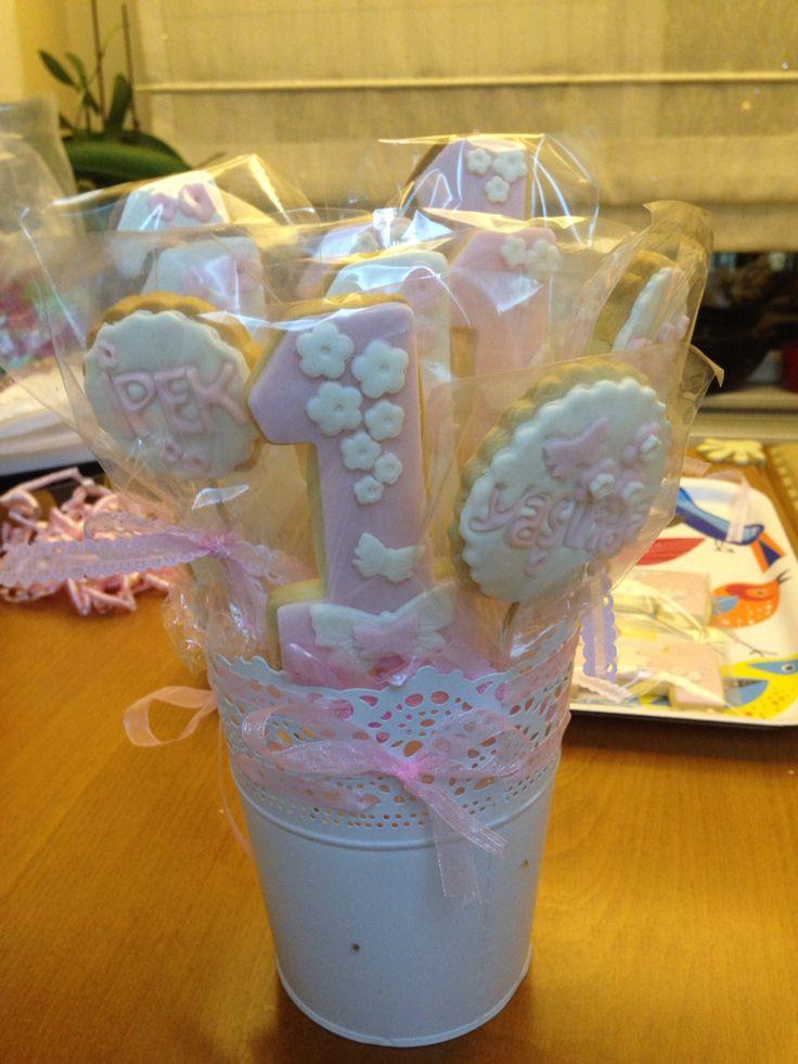 #kurabiye İpek'ciğime bir yaş hediyesi kurabiyelerim.