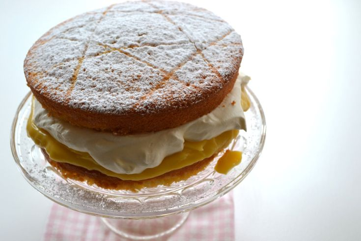 Lemon Sponge Cake - ILoveCooking