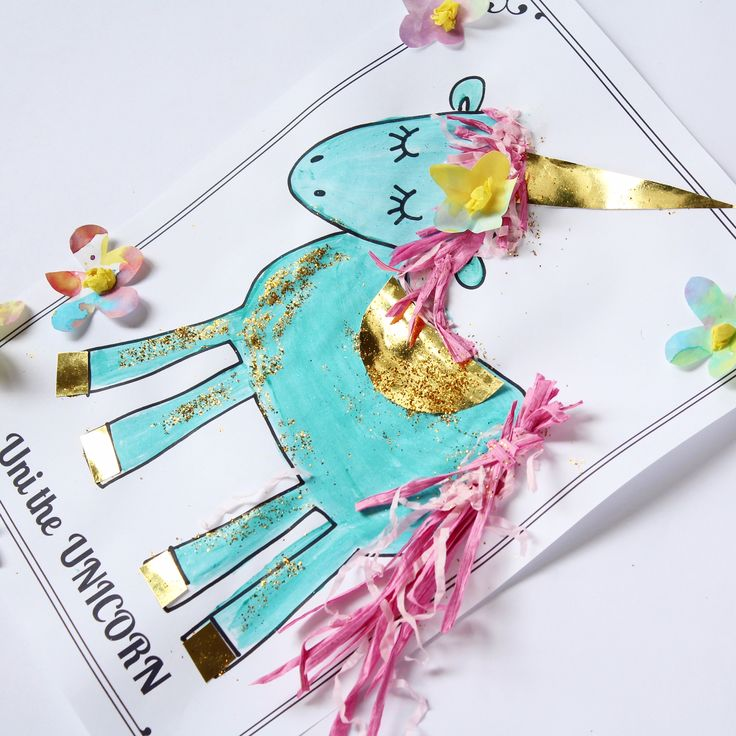 Unicorn craft activity: Free unicorn craft and literacy printables to use with the story Uni the Unicorn. Perfect for toddlers, preschool or kindergarten.