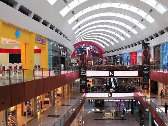 دبي مول أكبر مول تجاري بالشرق الأوسط يحتضن أهم شركات التقنية العالمية الإمارات بالعربية Dubai Mall Dubai Middle East
