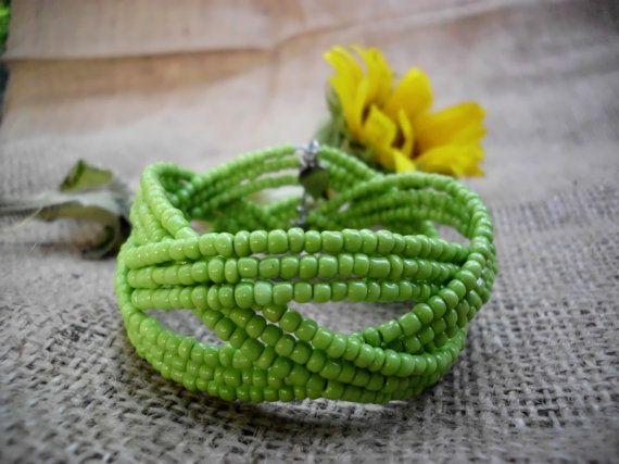 Green bracelet / Geometric bracelet / Merry by Theworldofjewelry, $10.00