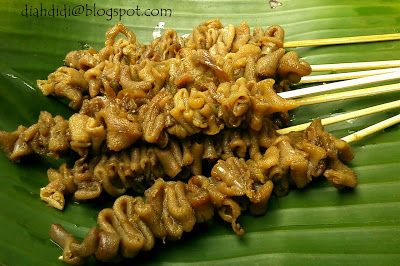 Diah Didi's Kitchen: Sate usus bacem a la warung angkringan