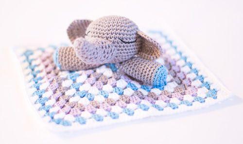 Elephant snuggle, found on : http://www.dendennis.nl/amigurumi-designs/crochet-elephant-snuggle/