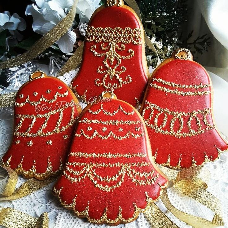 More Bells, red with sparkling gold trim - cookies by Teri Pringle Wood