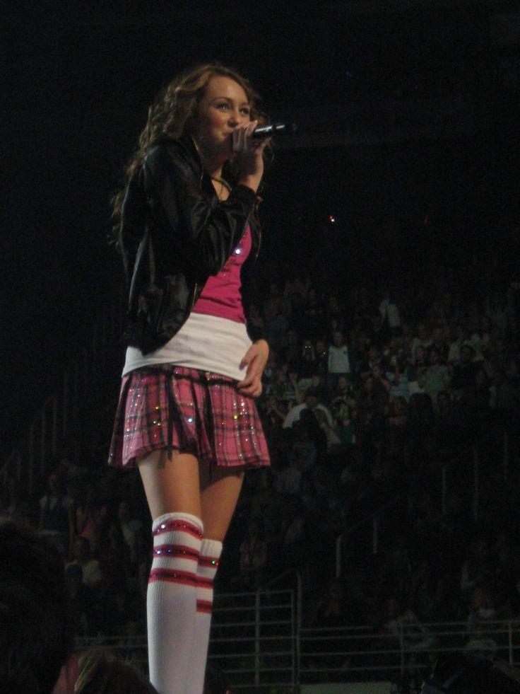 [Hannah+Montana+concert+Oct.+27,+2007+044.jpg]