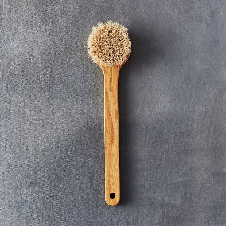 Handmade in Sweden from oiled oak and horsehair, this bath brush from Iris Hantverk features a convenient handle. Soft and pliable yet very durable, h