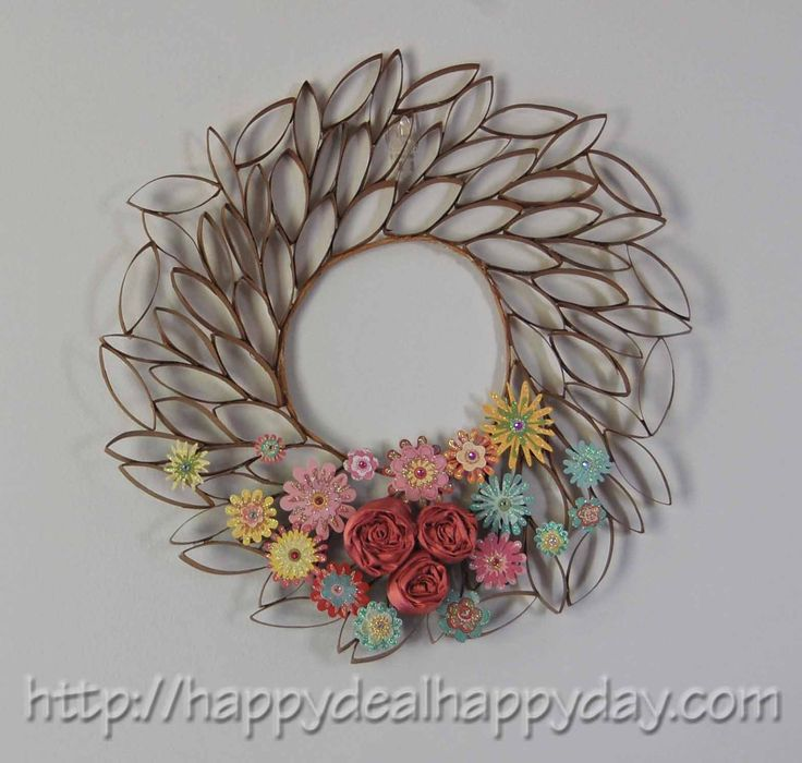 Toilet paper roll crafts toilet paper roll wreath for Toilet paper roll art ideas