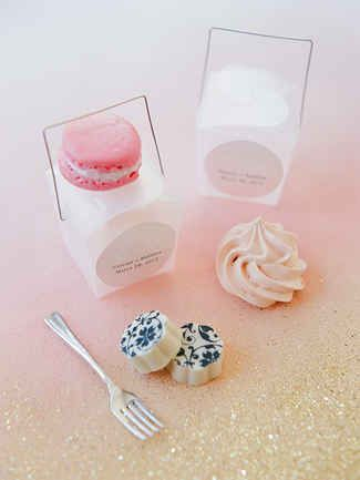 Send your guests home with something tasty from your preppy wedding. Mini treats like cupcakes and macaroons are great for any guest with a sweet tooth and can be enjoyed right away