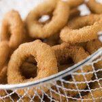 Onion rings o Anelli di cipolla fritti, ricetta originale americana